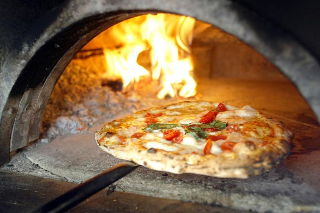 1372747634-pizza